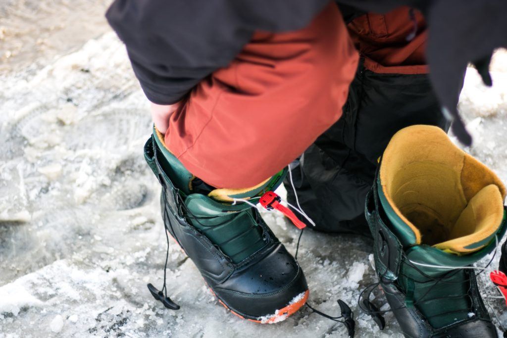 snowboarding foot peddling technique